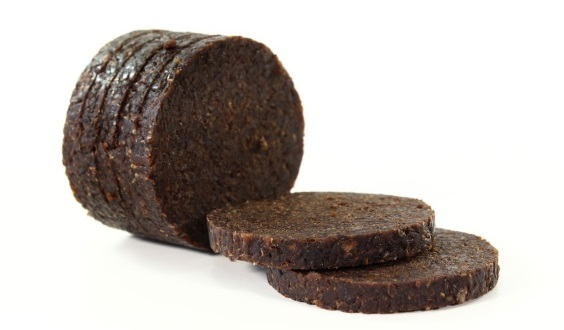 http://www.bread.jp.net/img/bread/pumpernickel.jpg